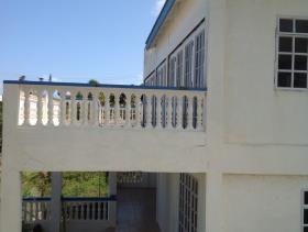 Image No.2-Maison de 5 chambres à vendre à Vieux Fort