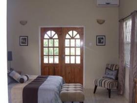 Image No.6-Villa de 4 chambres à vendre à Rodney Heights