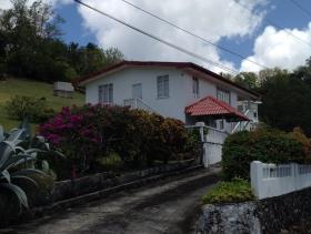 Image No.1-Maison de 5 chambres à vendre à Castries