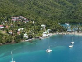 Image No.1-Un hôtel de 38 chambres à vendre à Marigot Bay