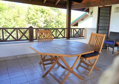 St-Lucia-Homes---Villa-Cadasse---dining-on-patio
