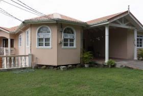 Image No.1-Maison de 7 chambres à vendre à Gros Islet