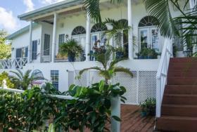 Image No.2-Maison / Villa de 5 chambres à vendre à Marigot Bay