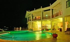 Image No.1-Villa de 8 chambres à vendre à Cap Estate