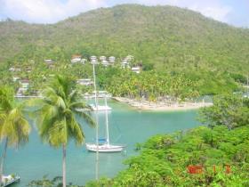 Marigot Bay, Land