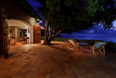 Tamarind-tree-terrace
