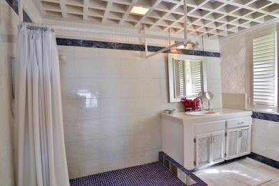 Cottage-bathroom