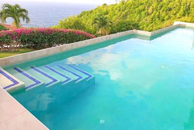 vlilla-josephine-dining-pool