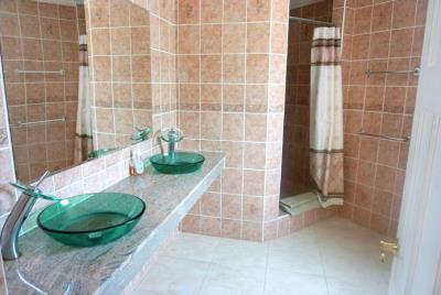 st-lucia-homes---villa-karibu-bathroom