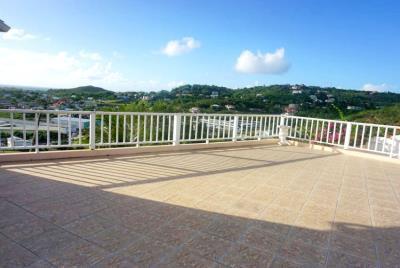 st-lucia-homes---Bed-Marina-Villa---balcony