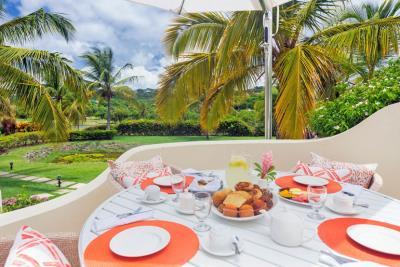 St-Lucia-Homes---CAP131---Villa-Cyrus---Balcony