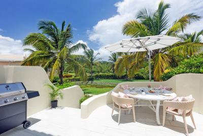 St-Lucia-Homes---CAP131---Villa-Cyrus---Balcony-bbq