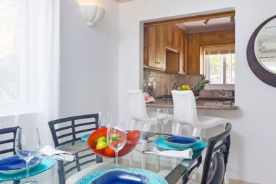 St-Lucia-Homes---CAP131---Villa-Cyrus---Balcony-Dining-Table