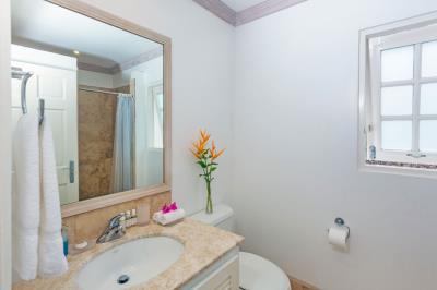 St-Lucia-Homes---CAP131---Villa-Cyrus--Bathroom-1