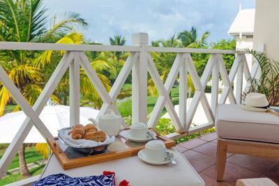St-Lucia-Homes---CAP131---Villa-Cyrus--Bedroom-breakfast-balcony