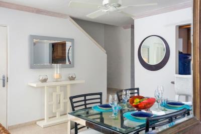 St-Lucia-Homes---CAP131---Villa-Cyrus---dining