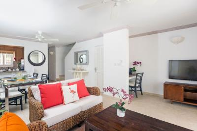 St-Lucia-Homes---CAP131---Villa-Cyrus---Livingroom-dining-kitchen