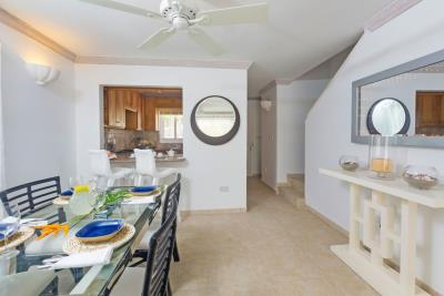 St-Lucia-Homes---CAP131---Villa-Cyrus---Livingroom-kitchen