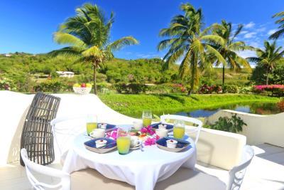 St-Lucia-Homes---CAP131---Villa-Soraya---Balcony-4