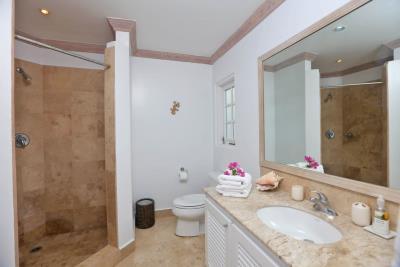 St-Lucia-Homes---CAP131---Villa-Soraya---Bathroom