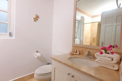 St-Lucia-Homes---CAP131---Villa-Soraya---Bathroom-counter
