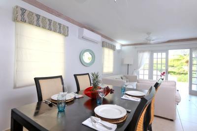 St-Lucia-Homes---CAP131---Villa-Soraya---Dining-Table