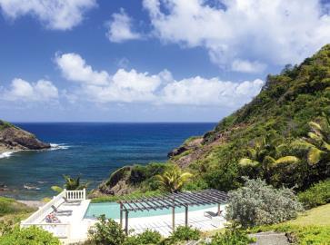 St-Lucia-Homes---CAP128---Allamanda---Livingroom-Pool