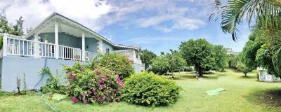 St-Lucia-Homes---CAP130---panoram-yard