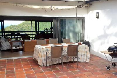 St-Lucia-Homes-Summerbreeze-Balcony-dining-view-850x570