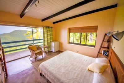 St-Lucia-Homes-Summerbreeze-bedroom-View-850x570