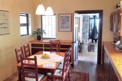 St-Lucia-Homes-Summerbreeze-Kitchen-dining-850x570