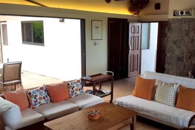 St-Lucia-Homes-Summerbreeze-Livingroom-patio-850x570