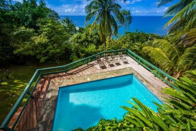 St-Lucia-Homes-Summerbreeze-Pool-850x570