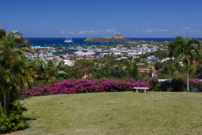 12-Sea-and-Garden-view-from-front-terrace-Plantation-House-