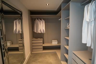 B8-Caprice-Benahavis-closet-Mar2020