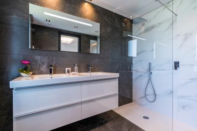 B9-Caprice-Benahavis-bathroom-Mar2020