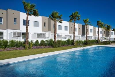 A5_1_Green_Golf_townhouses_Estepona_pool_Marzo-2020