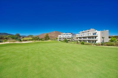 A4_Sun_Valley_apartments_Cala-Resort_exterior_Oct-2020