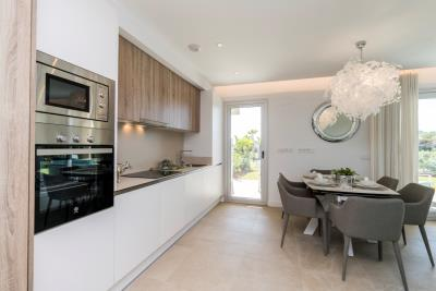B4_Sun_Valley_apartments_Cala-Resort_kitchen_Oct-2020