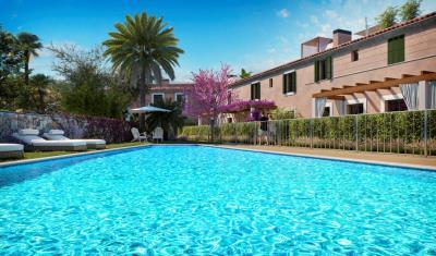 A7-IKAT-Ses-Salines-pool