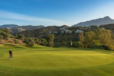 C8_The-Crest_Benahavis_Golf_course