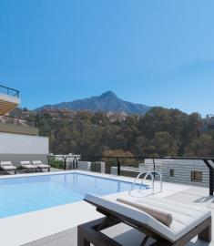 A5_Marbella_Lake_apartments_Nueva-Andalucia_pool