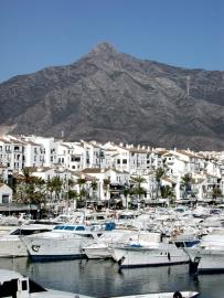 C8_Marbella---puerto_banus