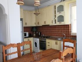 Image No.1-Villa / Détaché de 6 chambres à vendre à Uzumlu