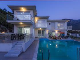Image No.18-6 Bed Villa for sale
