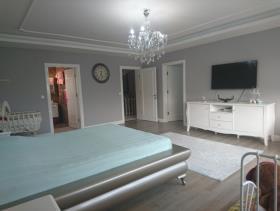 Image No.13-9 Bed Villa / Detached for sale