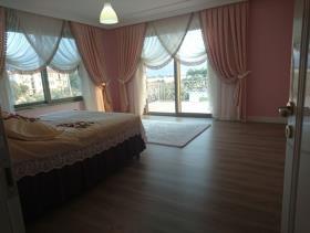 Image No.16-9 Bed Villa / Detached for sale