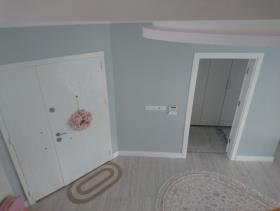 Image No.19-9 Bed Villa / Detached for sale