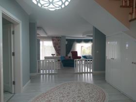Image No.20-9 Bed Villa / Detached for sale