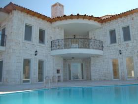 Image No.0-Villa de 4 chambres à vendre à Kas